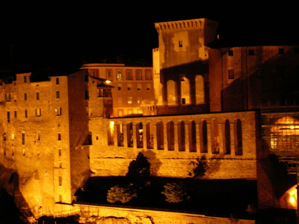 Pitigliano night
